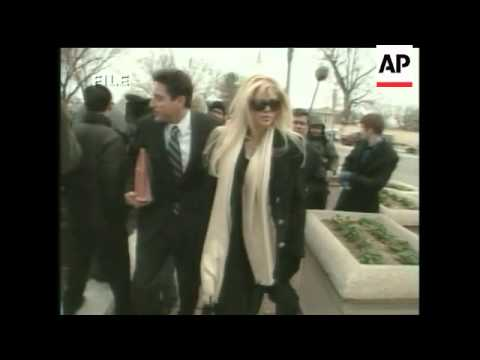 Anna Nicole Told to Leave Bahamas Home