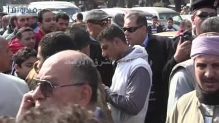 بالفيديو : تأثر الفنان أحمد بدير أثناء تشييع جثمان الفنانة الراحلة كريمة مختار