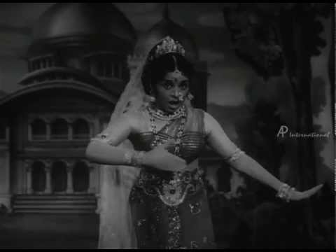 Kaakkum Karangal - Azhagiya Rathiye song