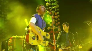 Coldplay - Yellow (NME Awards 2016)