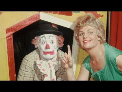 Kleurplaten Van Pipo De Clown.Pipo De Clown En Mamaloe Lied Leukste Kinderliedjes Youtube