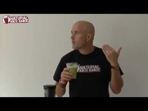 Making an Easy Green SMOOTHIE in the Optimum 600 Big Mouth Cold Press Juicer