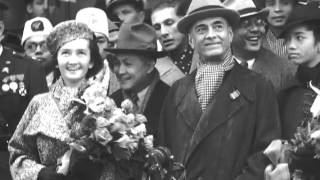 Philippine President Manuel L. Quezon, family, Yulo and MacArthur arrive on S.S. Lurline, 1937