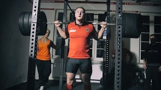 Powerlifter VS Olympic Weightlifter SQUAT DEATHMATCH #1