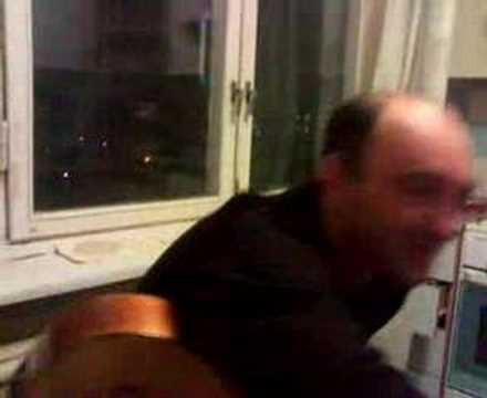 Слушать песню Колыбельная песня Александра Розенбаума из альбома Розовый Жемчуг, 1995 год. - Вечер тает голубой