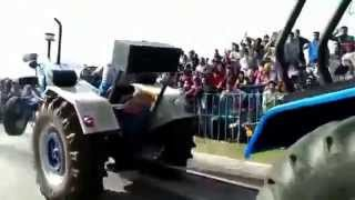 Ford 3000 VS Sonalika 60 DI Rx Tractor Tow Chain Fight !