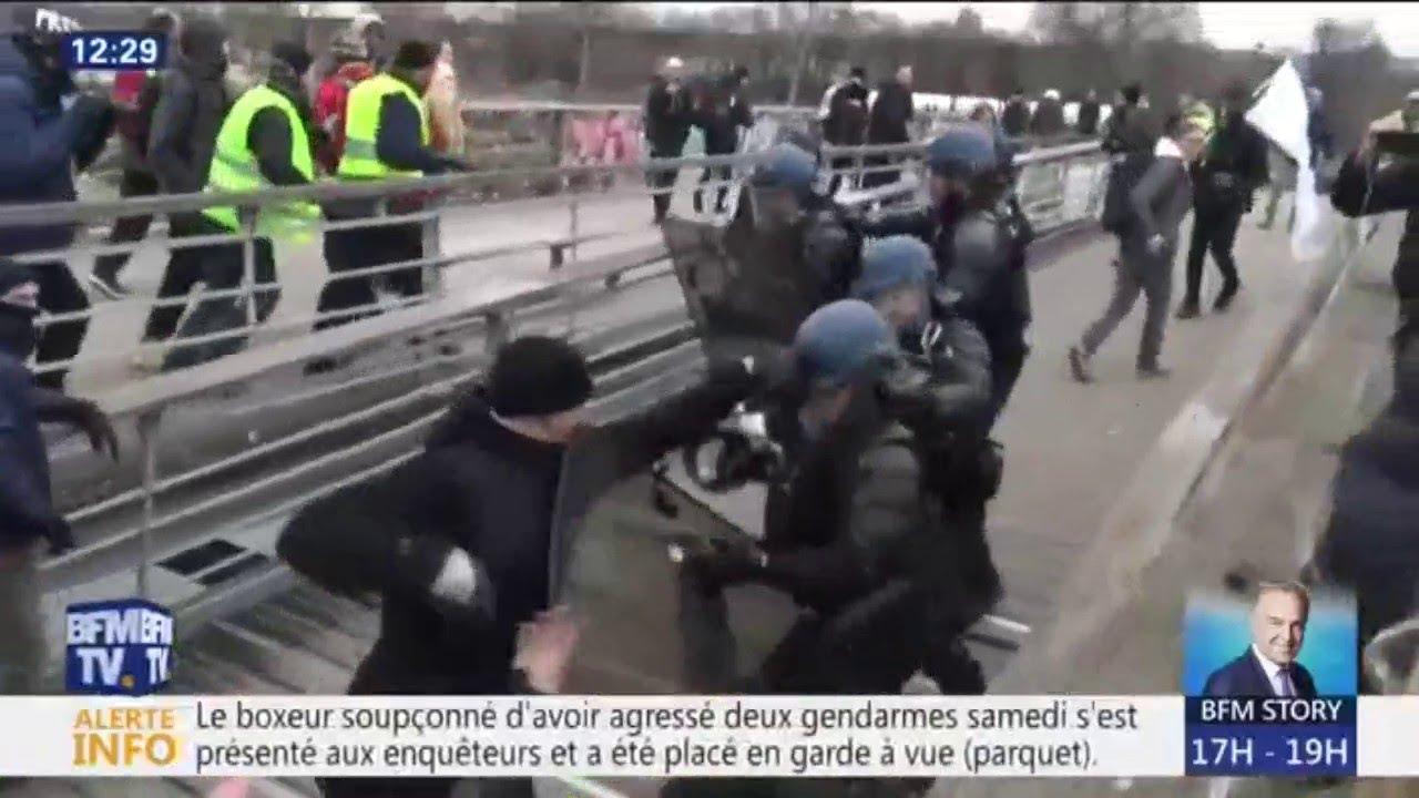 Le boxeur qui a agressé deux gendarmes à Paris s'est de lui-même rendu