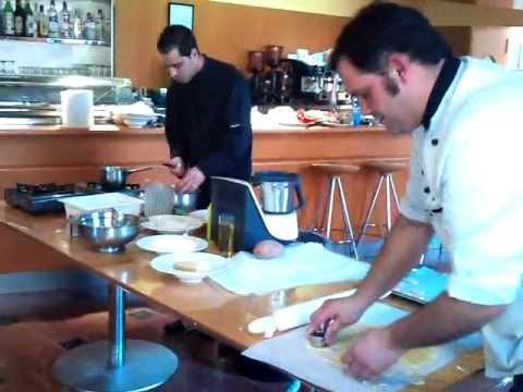 Curso esatur pinchos cocina alicante youtube for Cursos de cocina en alicante