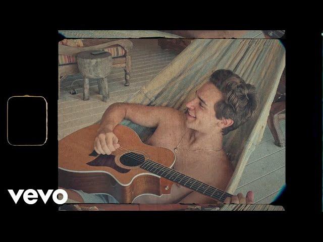 Alejandro Santamaria - Medio Día (Official Video)