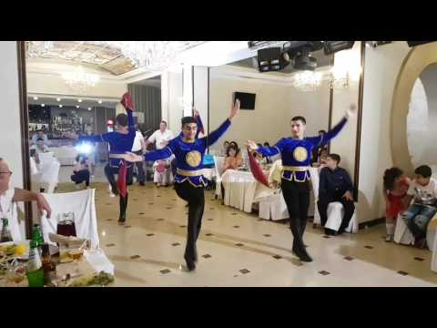 Танец (шалахо )