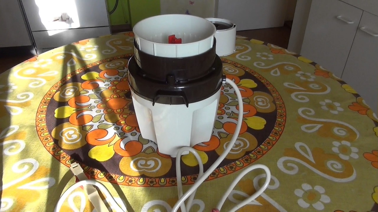 funktionspr fung moulinex moulinette zerkleinerer typ 32002 retro aus 70er jahre food chopper. Black Bedroom Furniture Sets. Home Design Ideas