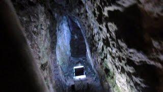 世界遺産石見銀山の内部を散策、途中壁をなめる?What's Iwami silver mine of the world heritage