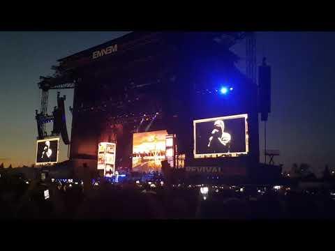 Eminem-Walk on Water( Revival tour Milan Italy)