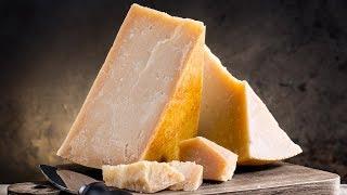今明かされるパルメザンチーズが高額な理由(プラスチーズトリビア)