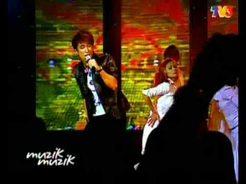Nashrin - Fobia Cinta (MTV @ Muzik25)