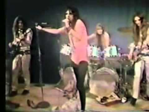 Alice Cooper - Is It My Body - Love It To Death (1971) Live (Original LP)