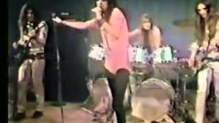 Watch Alice Cooper Is It My Body video