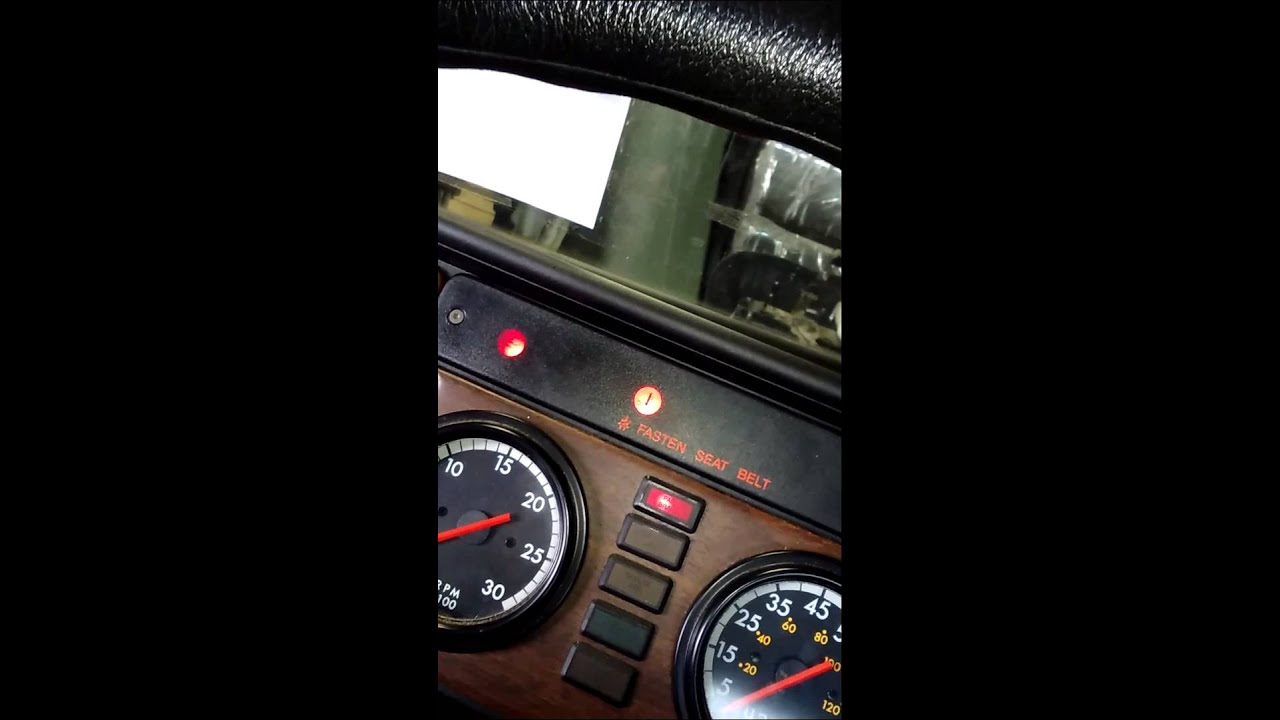 Flash Code Readings On A Detroit Diesel 60 Series Eng Youtube Ddec 6 Wiring Diagram