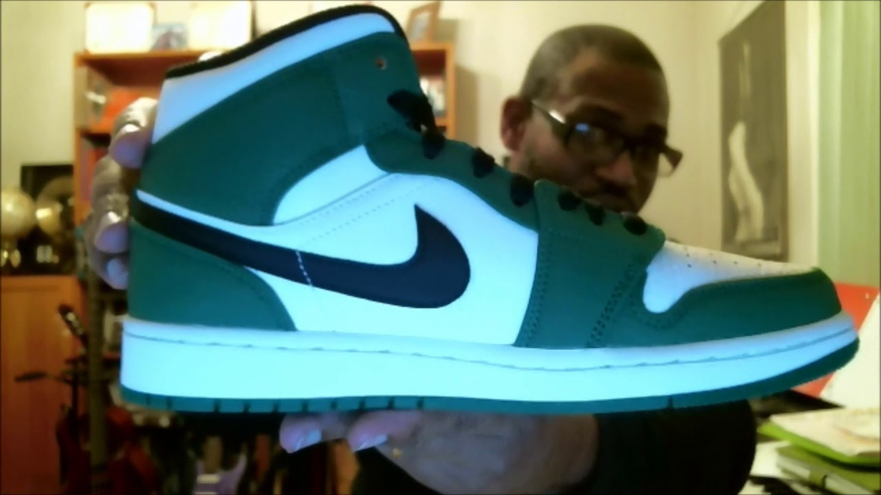 new style 68937 477ba Air Jordan 1 Mid SE 852542-301 Pine Green Black-Sail   Authentic  Verification