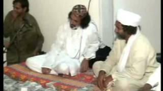 P-10 Mai Bataoon Kia Hussain by Arif Feroz Qawwal Darbar-e-Chishtia Mairajke Sharif 25-6-2011