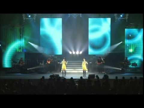 Pink Lady - S.O.S. And Nagisa No Sindbad (渚のシンドバッド) Live - Innovtion DVD - Concert Tour 2011