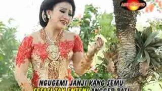 Wiwid Widayati - Layung (Official Music Video)