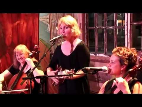 "Abigail's Garden performs the classic Irish folk tune, ""I'll Tell Me Ma,"" Live @ Tellus 360."