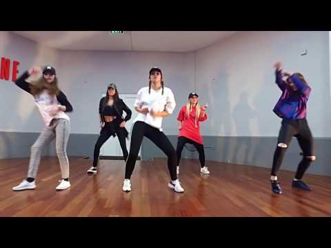 Korede Bello 'DO LIKE THAT' Choreography by Mark x Betty Class Video