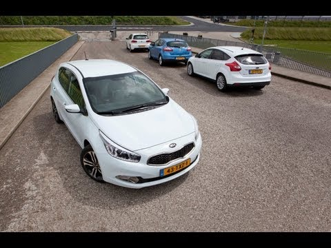 Kia Cee'd vs Ford Focus (English Subtitles)