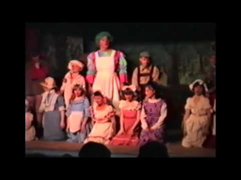 Old woman who lived in a shoe - Benllech Childrens Panto Group