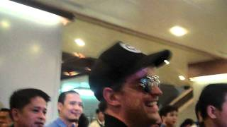 Westlife in Manila - arrival at airport MP3