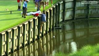 Fan helps retrieve driver in Round 2 of THE PLAYERS
