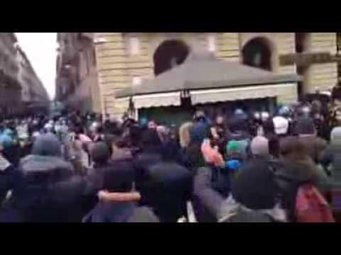 Polizia protesta popolare 9 Dic 2013 Italia POLICE JOINS THE PROTEST ITALY 9 DEC 2013