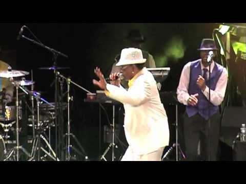 GAP BAND CHARLIE WILSON live TRIANON Oops upside your head 17 sept 2011