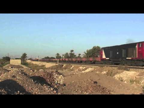 Egyptian Railways GE Evolution locos on freight
