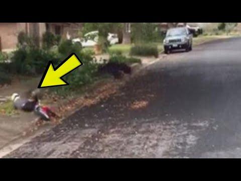 Mali dječak je pao s bicikla: Kada vidite ko mu dolazi u POMOĆ, ostat ćete bez riječi !