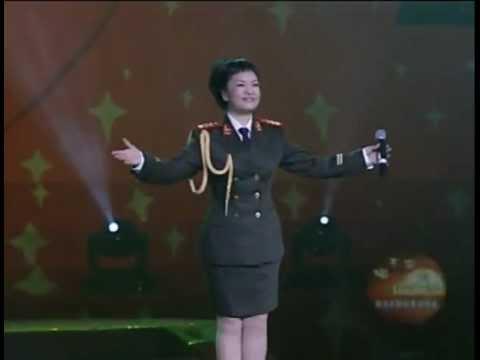 Peng Liyuan 彭丽媛 - 世纪春雨