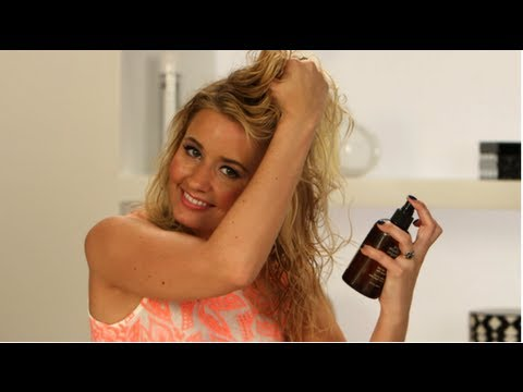 best-beach-sprays,-hair-style-tips,-bella-beauty-review