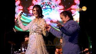سلمى رشيد تغني الركادة وترقص على إقاعاتها مع طفلة من ذوي الإحتياجات الخاصة