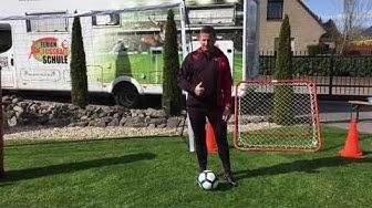 FFS-Fußballcamp: Trainingsvideo 3 für zuhause: Dribbling und KörpertäuschungTrainingsvideo 3: