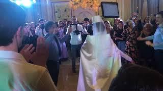 Осетинская свадьба, Юрий Алборов - Хонга кафт. Осетины танцуют. Горец! Осетинский танец с невестой.
