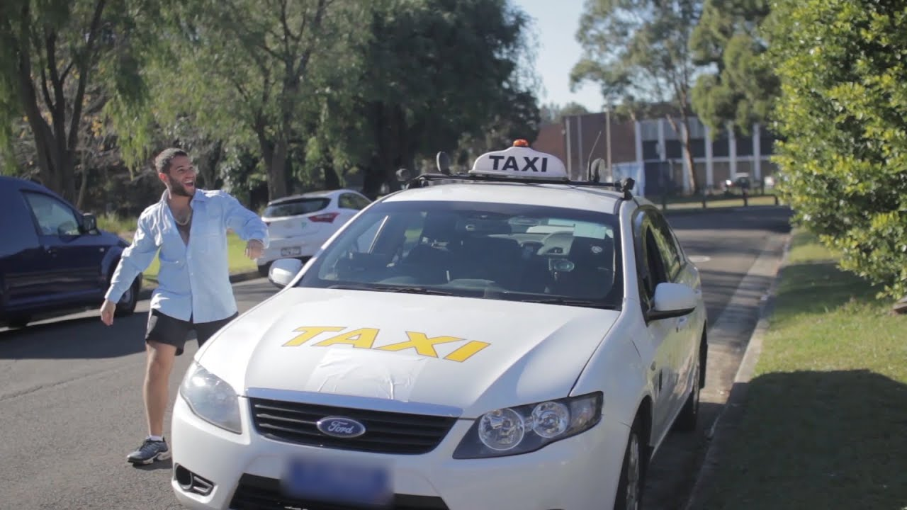 Uber vs Taxis - YouTube