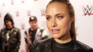 Alena Gerber zieht ihren Hut vor den Diven: WWE Live in Stuttgart (Red Carpet)