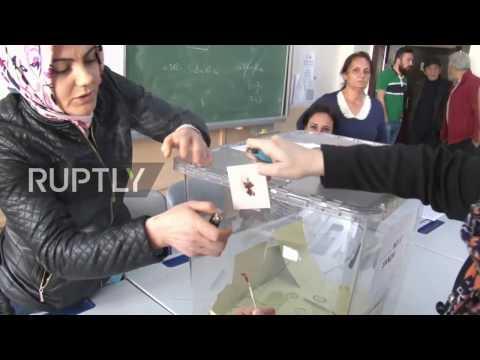Turkey: 51.4% vote YES as polls begin to close in Turkey's constitutional referendum