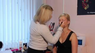 видео Делаем вечерний макияж