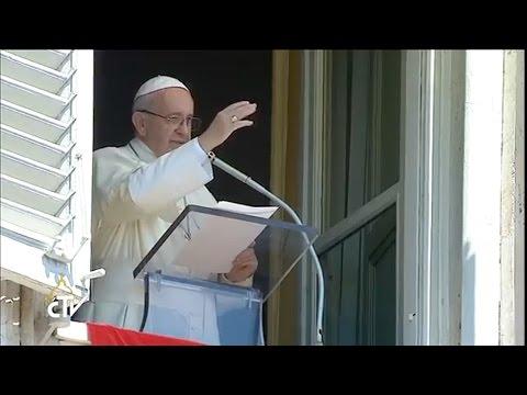 El Papa saludó en español a los marinos de la Fragata, en la Plaza San Pedro