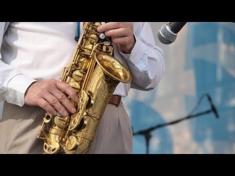 Play E Major Scale & C Sharp Minor | Saxophone Lessons