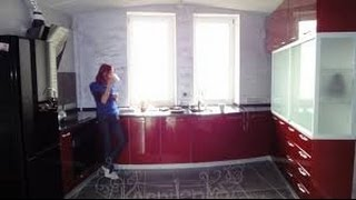 как сделать красивую кухню недорого видео(Бюджетные варианты дизайн интерьера кухни рассмотрены в данном видео. Дизайн мебели от сдержанного до..., 2014-10-13T19:55:58.000Z)