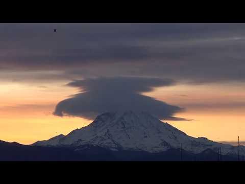 Mt. Rainier Lenticular Cloud Timelapse-2017.11.25