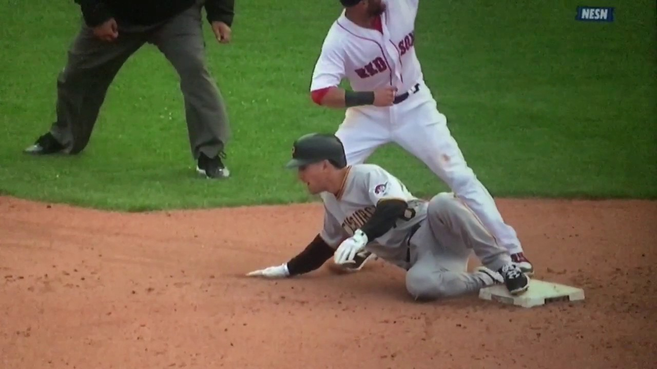 Red Sox vs Pirates: Christian Vazquez' quick release and Dustin Pedroia great tag